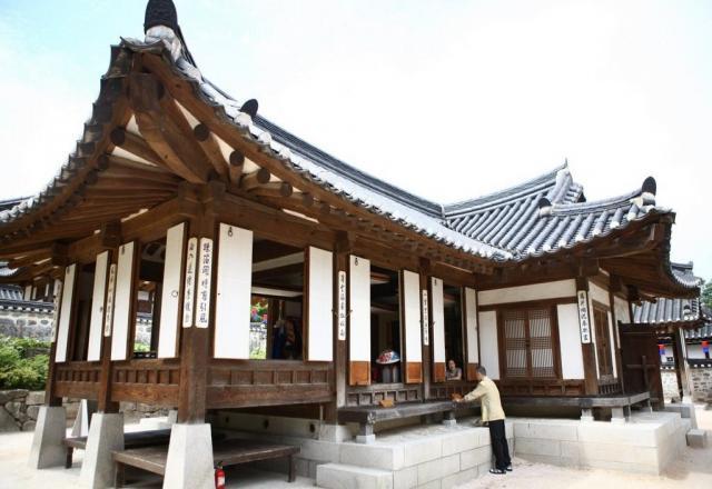Bạn học tiếng Hàn có biết về nhà truyền thống Hanok?